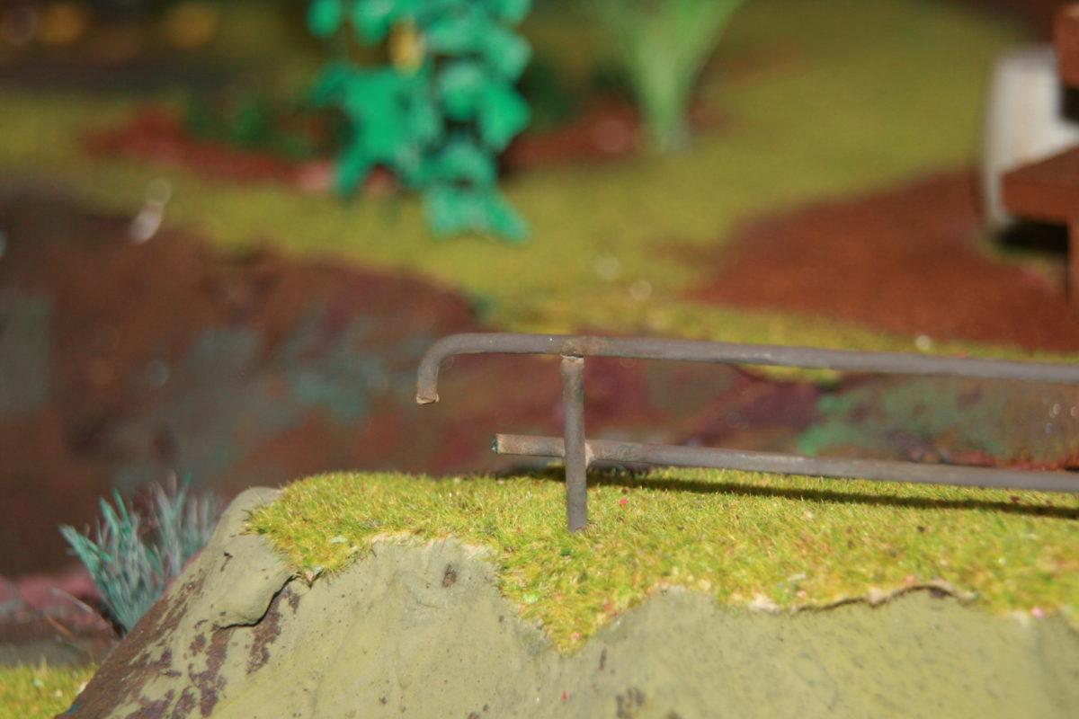 Modellbahn Anleitung: ein Eisengeländer entsteht